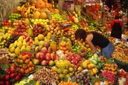 180px-fruit_stall_in_barcelona_market.jpg
